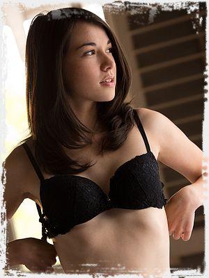 Emily Grey Erotic Pic