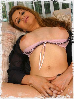 Yasmine Free Image