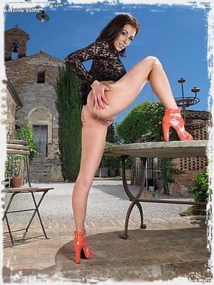 Antonia Sainz Picture
