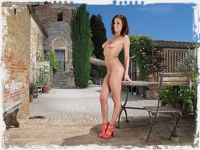 Antonia Sainz from In The Crack