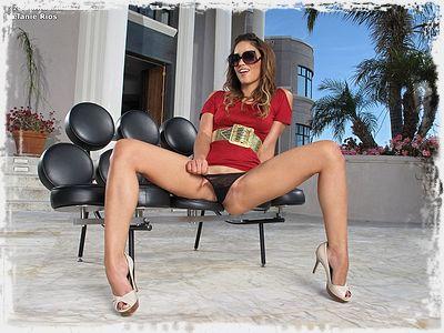 Melanie Rios Photo