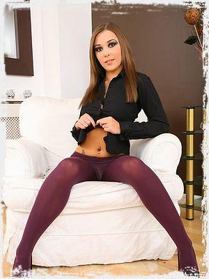 Loora Sexy