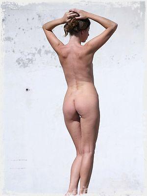 Roza D Nude
