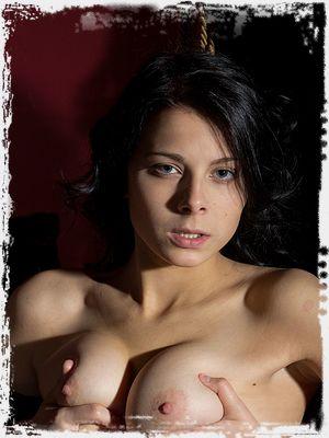 Bella T Erotic Pic