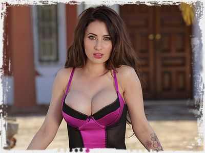 Layla Summers Picture