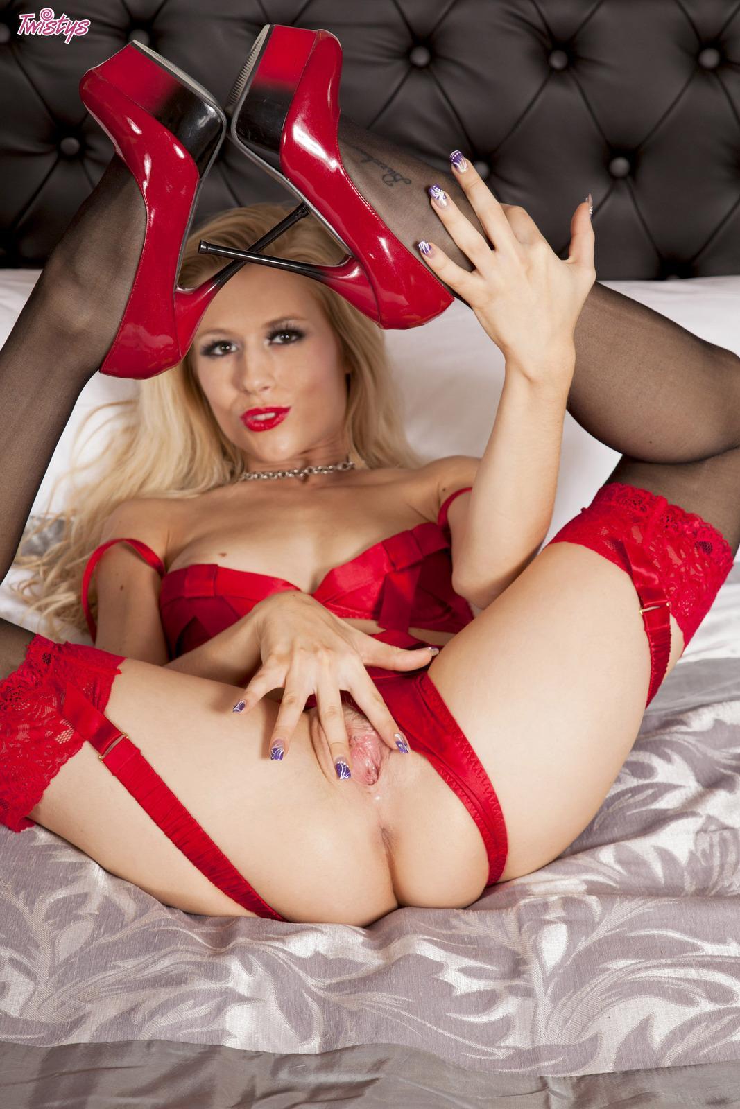 порно белье красное