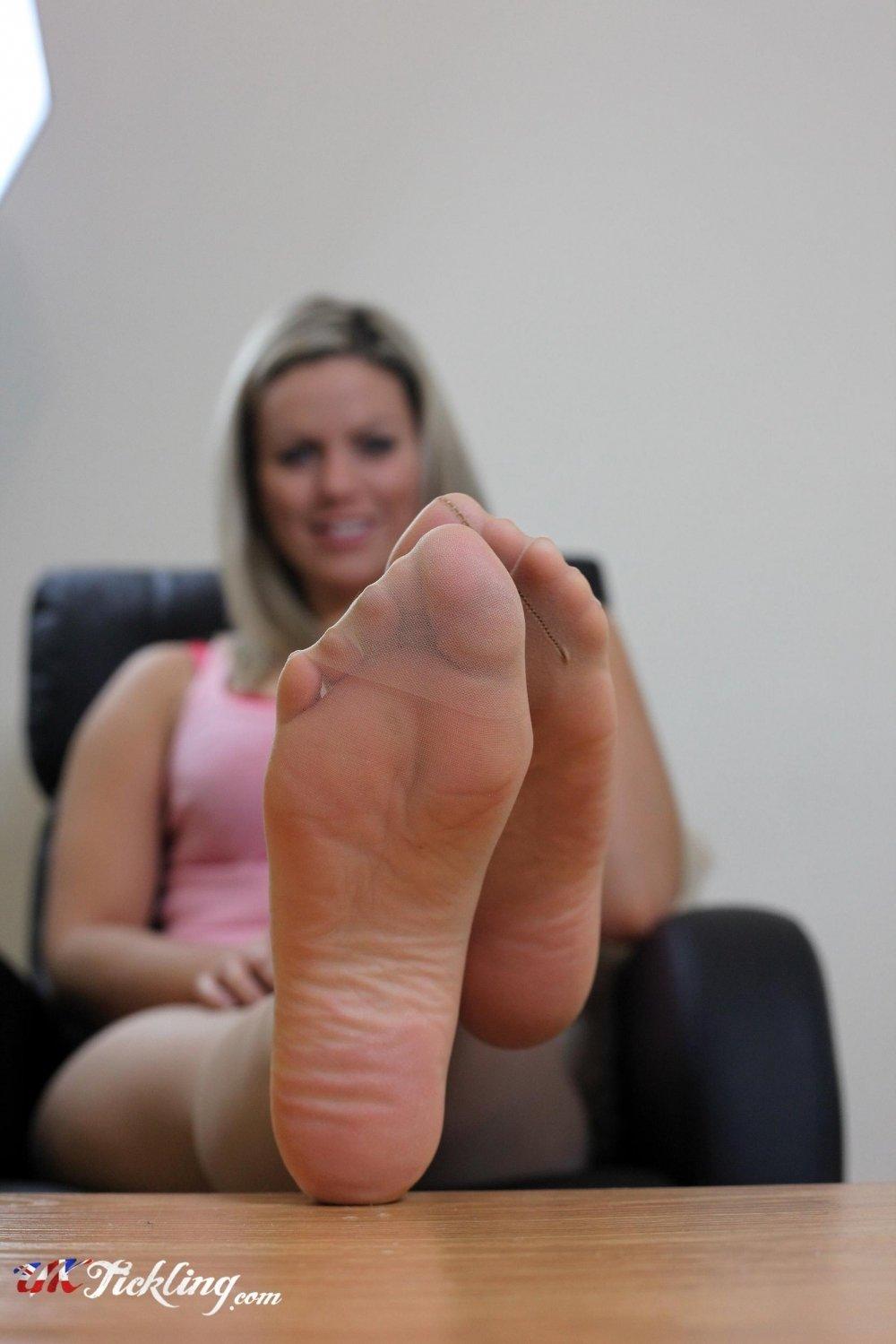 Izzy Uk Tickling Best free izzy pictures, free sex gallery @ sexybabegirls